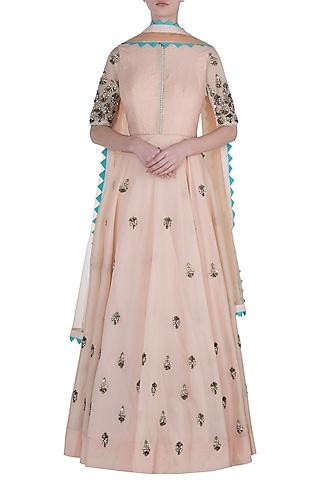 Peach salwar suit set by DINESH MALKANI