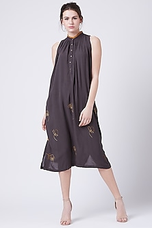 Grey Floral Embroidered Tunic by Doodlage