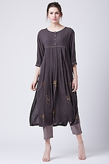 Grey Kantha Pleated Tunic by Doodlage
