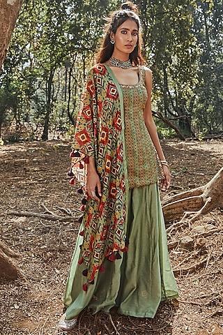 Green Embroidered Tunic Set by Drishti & Zahabia