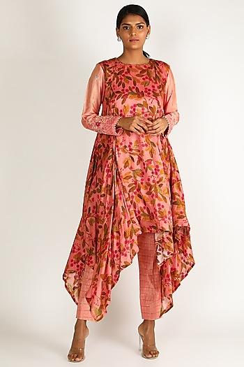 Peach Chanderi Silk Embroidered Kurta Set by Drishti & Zahabia