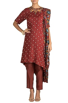 Maroon Embroidered & Printed Draped Kurta Set by Drishti & Zahabia