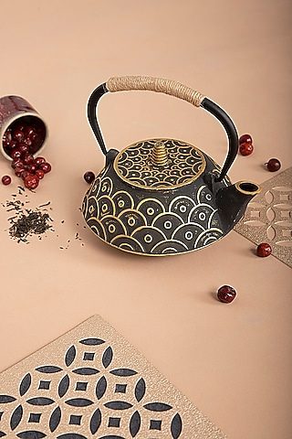 The Japanese Sage Tea Pot In Black by THOA