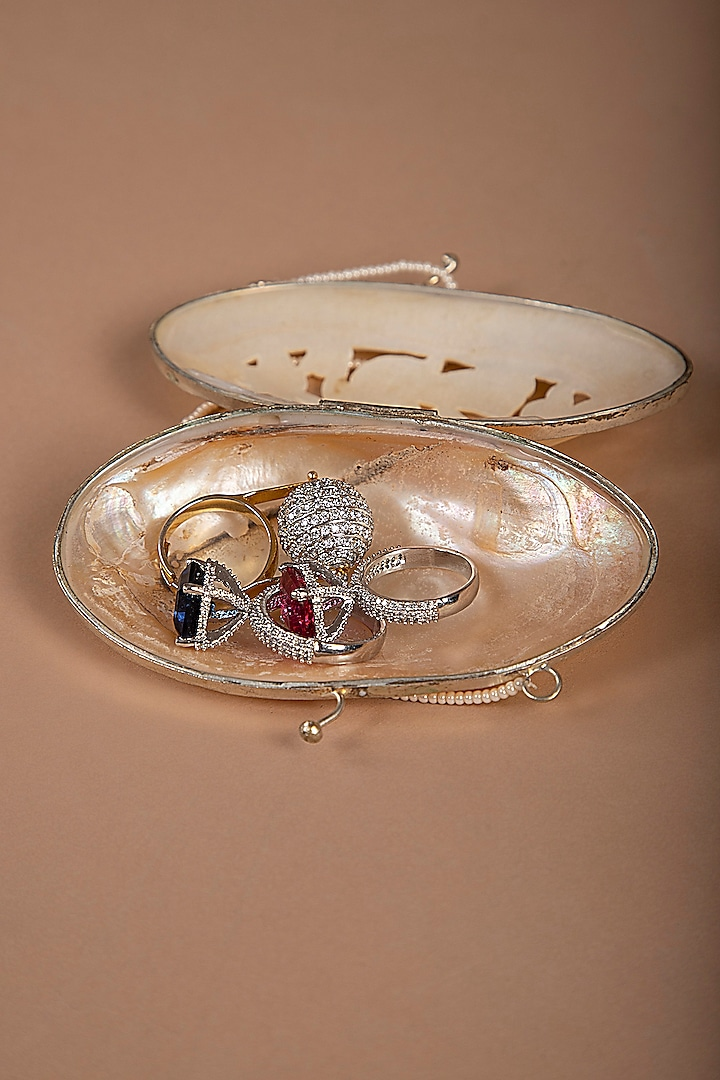 Silver Ring Holder by THOA