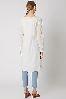 White Muslin Jamdani Kurta by DVAA