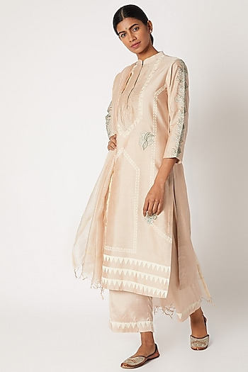 Blush Pink Printed & Embroidered Kurta Set by Devnaagri