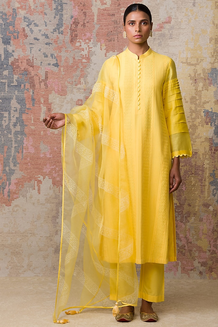 Yellow Kurta Set With Pintuck Detailing by Devnaagri