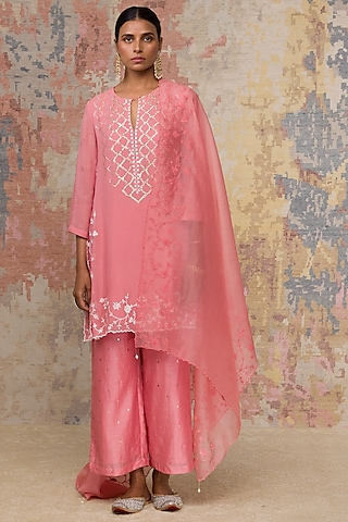 Blush Pink Embroidered Handcrafted Kurta Set by Devnaagri