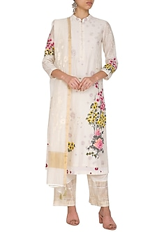 Off White Embroidered & Hand Painted Kurta Set by Devnaagri