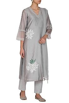 Grey Hand Painted & Embroidered Kurta Set by Devnaagri