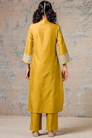 Mustard Thread Embroidered Kurta Set by Devnaagri