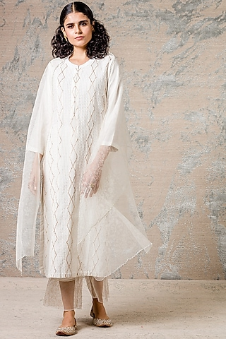 Ivory Kurta Set With Pintucks by Devnaagri