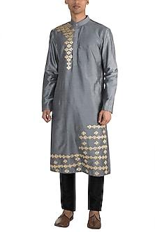 Grey Embroidered Kurta by Diya Rajvvir Men