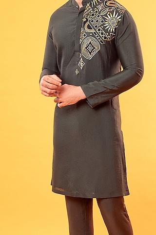 Olive Green Appliques Embroidered Kurta by Diya Rajvvir Men