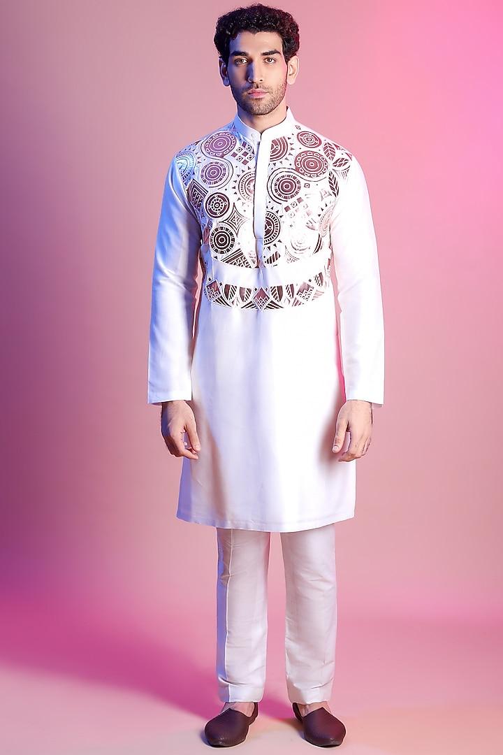 White Geometric Embroidered Kurta by Diya Rajvvir Men