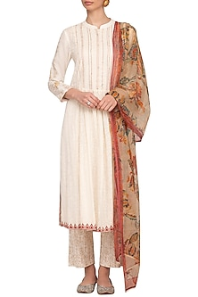 Off White Embellished Printed Kurta Set by Devnaagri