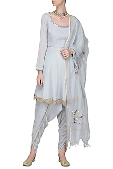 Blue Embellished Kurta Set by Devnaagri