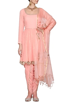 Pink Embroidered Kurta Set by Devnaagri