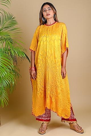 Yellow Silk Bandhani Kaftan by Dyelogue