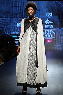 Black & White Handloom Drape by Ekru by Ekta and Ruchira