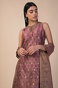 Onion Pink Banarasi Printed Kurta Set by Ekaya