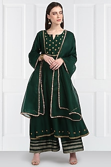 Emerald Green Embroidered Kurta Set by Label Earthen
