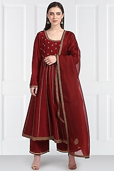 Maroon Embroidered Kalidar Kurta Set by Label Earthen