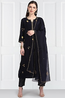 Midnight Blue Embroidered Kurta Set by Label Earthen