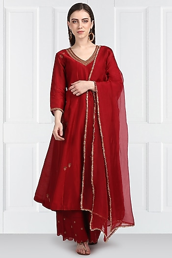 Red Embroidered Kurta Palazzo Set by Label Earthen