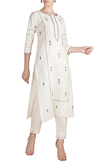 White Embroidered Kurta With Pants by Label Earthen