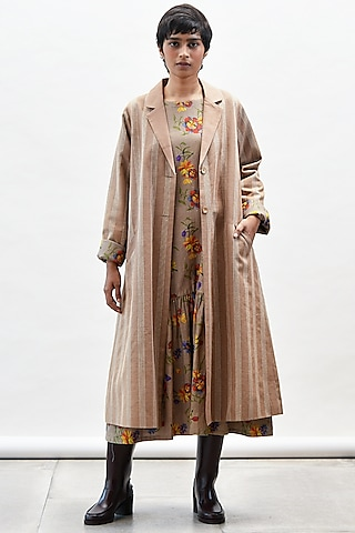 Mocha Coat With Printed Lining by Kanelle