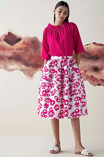 Pink Printed Gathered Skirt by Kanelle
