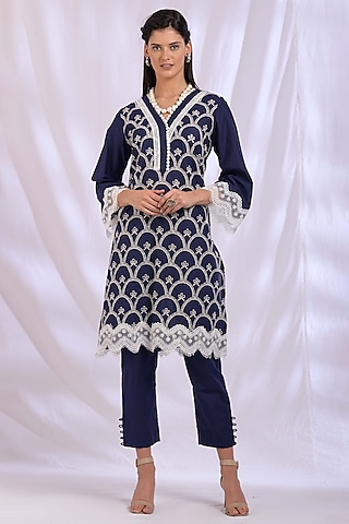 Navy Blue Kurta With Lace Detailing by Enaarah