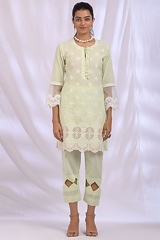 Lime Green Kurta With Lace Detailing by Enaarah