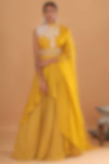 Mustard Embroidered Kurta Set With Belt by Ek Soot