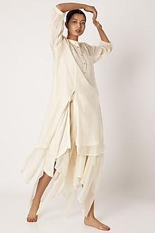 Nude Chinese Collared Kurta by EZRA-POPULAR PRODUCTS AT STORE