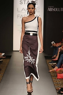 Black and white one-shoulder chandelier print dress by Farah Sanjana
