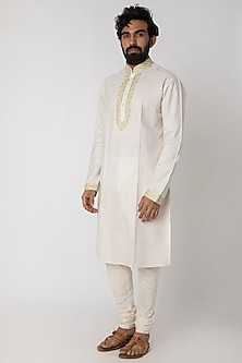 White Natural Fiber & Cotton Kurta by FnM