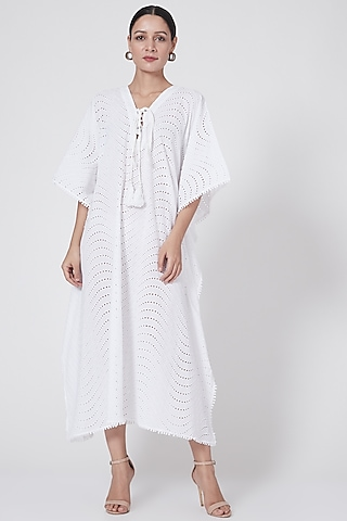White Eyelet Kaftan With Lace-Up by First Resort by Ramola Bachchan