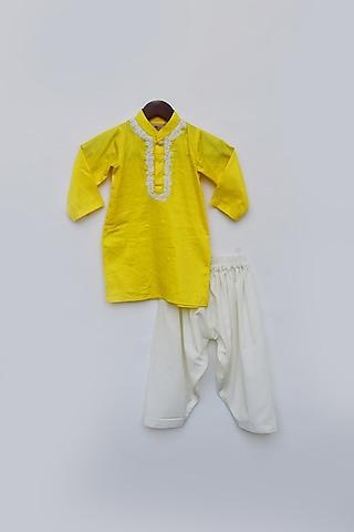 Yellow Kurta Set With Dori by Fayon Kids