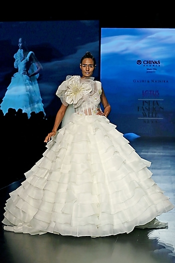 Ivory Corset Gown With Sequins Flower by Gauri and Nainika