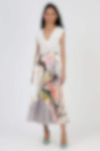 Grey Printed & Pleated Skirt by Geisha Designs