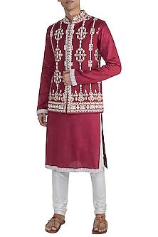 Red Embroidered Bundi Jacket by Gagan Oberoi