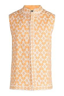 Yellow Embroidered Bundi Jacket by Gagan Oberoi