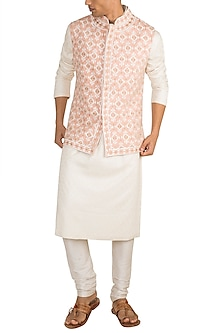 Light Pink Embroidered Bundi Jacket by Gagan Oberoi