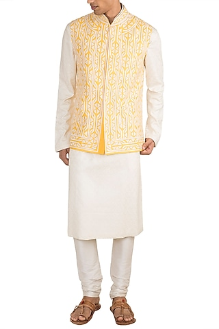 Light Yellow Patchwork Embroidered Bundi Jacket by Gagan Oberoi
