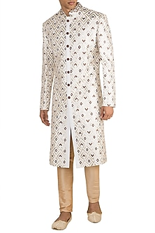 Off White Geometrical Embroidered Bundi Jacket by Gagan Oberoi