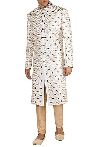 Off White Geometrical Embroidered Bundi Jacket by Gagan Oberoi