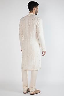 Off White Embroidered Kurta by Gagan Oberoi