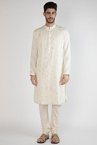 Off White Thread Embroidered Kurta by Gagan Oberoi